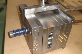 Прессформа для отливки колёс из полиуретана